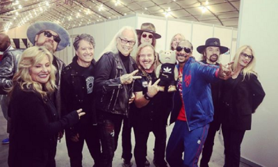 Snoop Dog and Lynyrd and Skynyrd seen smoking weed with their band of musicians