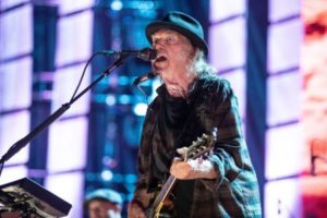 Neil Young says US citizenship may be delayed over marijuana